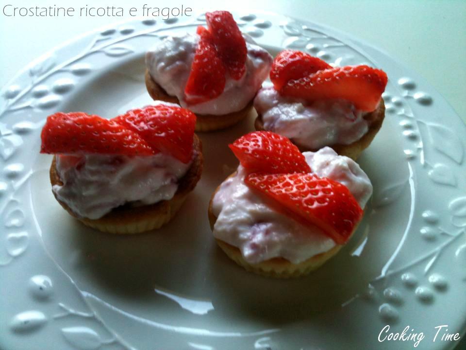 Crostatine ricotta e fragole